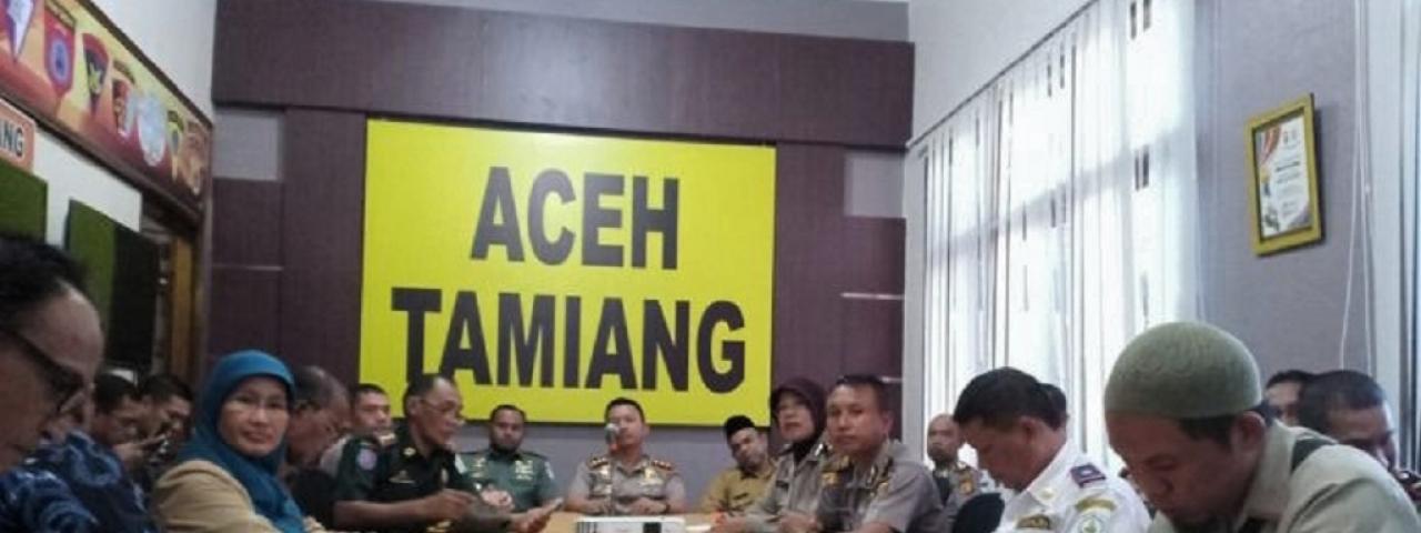 KAPOLRES DAN FORKOPIMDA ATAM IKUTI VICON KESIAPAN PENGAMANAN IDUL FITRI 2018